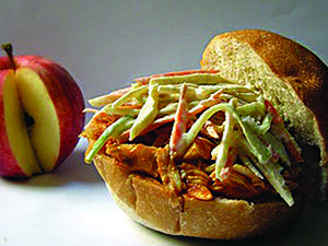 Apple cider chicken sliders with apple-veggie slaw #appleciderchicken Apple cider chicken sliders with apple-veggie slaw #appleciderchicken