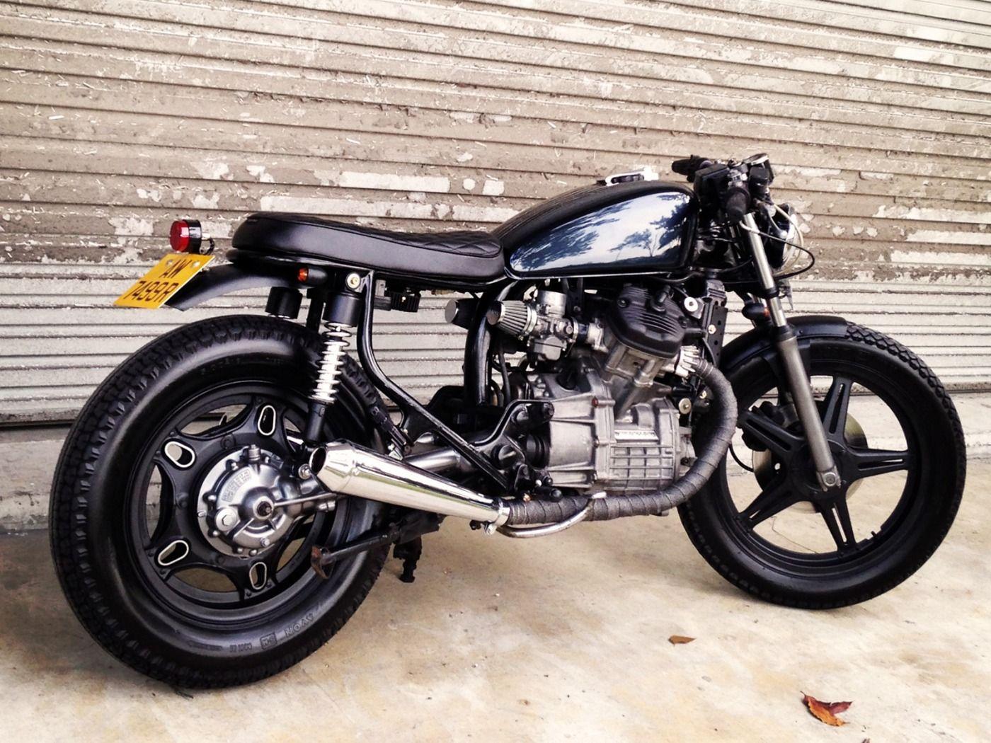 Pin su BMW motorcycle