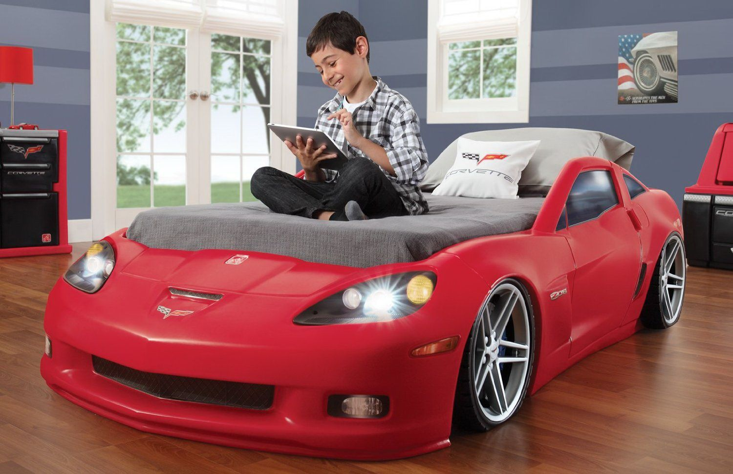 Incredible Boys Bedroom Idea With Awesome Sport Car Platform Bed In ...