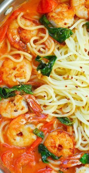 Garlic Shrimp Pasta in Red Wine Tomato Sauce #seafooddishes