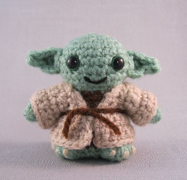 Space Pod for Yoda Amigurumi! - Free Pattern - Ami Amour | 618x640