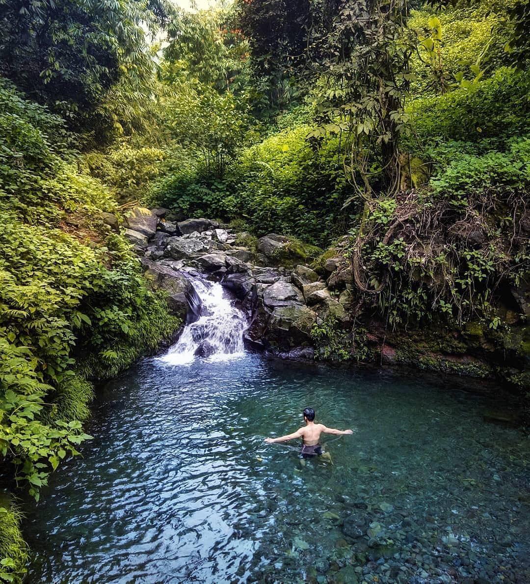 Tempat Ini Memang Sangat Indah Airnya Pun Cukup Dangkal Dan Bening Hingga Tembus Ke Dasar Air Sejuknya Jangan Di Tanya Yang Pasti In 2020 Instagram Indonesia Outdoor