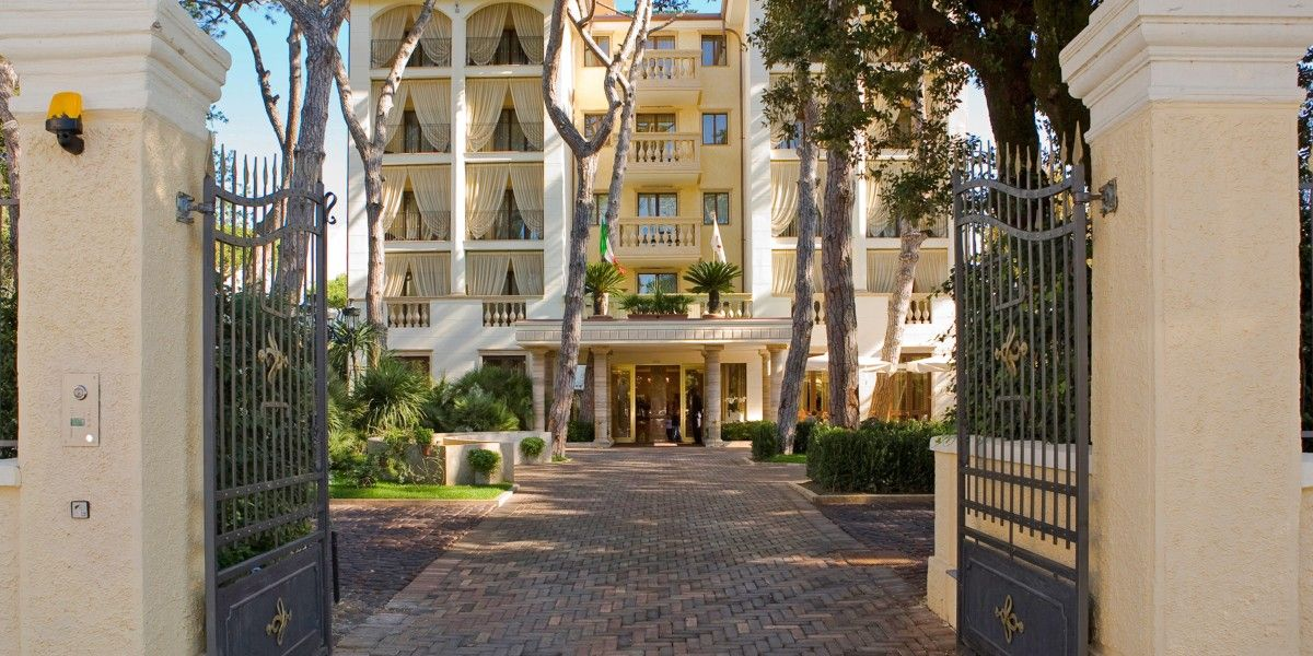Image Result For Hotel Drop Off Design With Images Condominium
