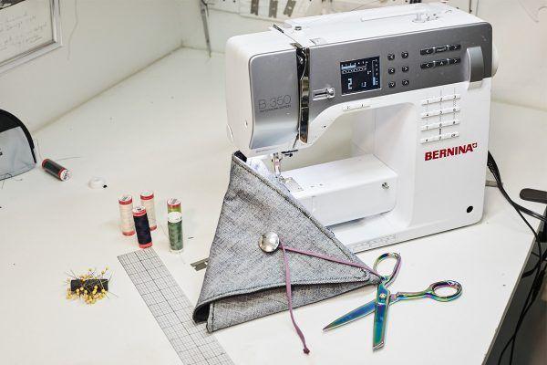Materials to sew the denim clutch