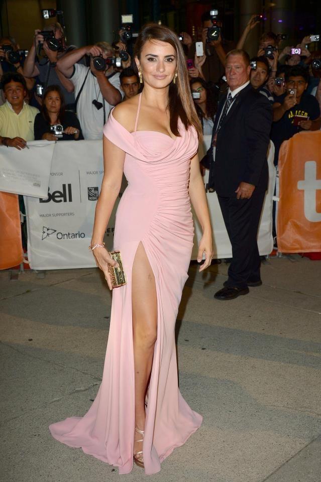 Penelope Cruz con un vestido vintage de Gianni Versace, durante el ...