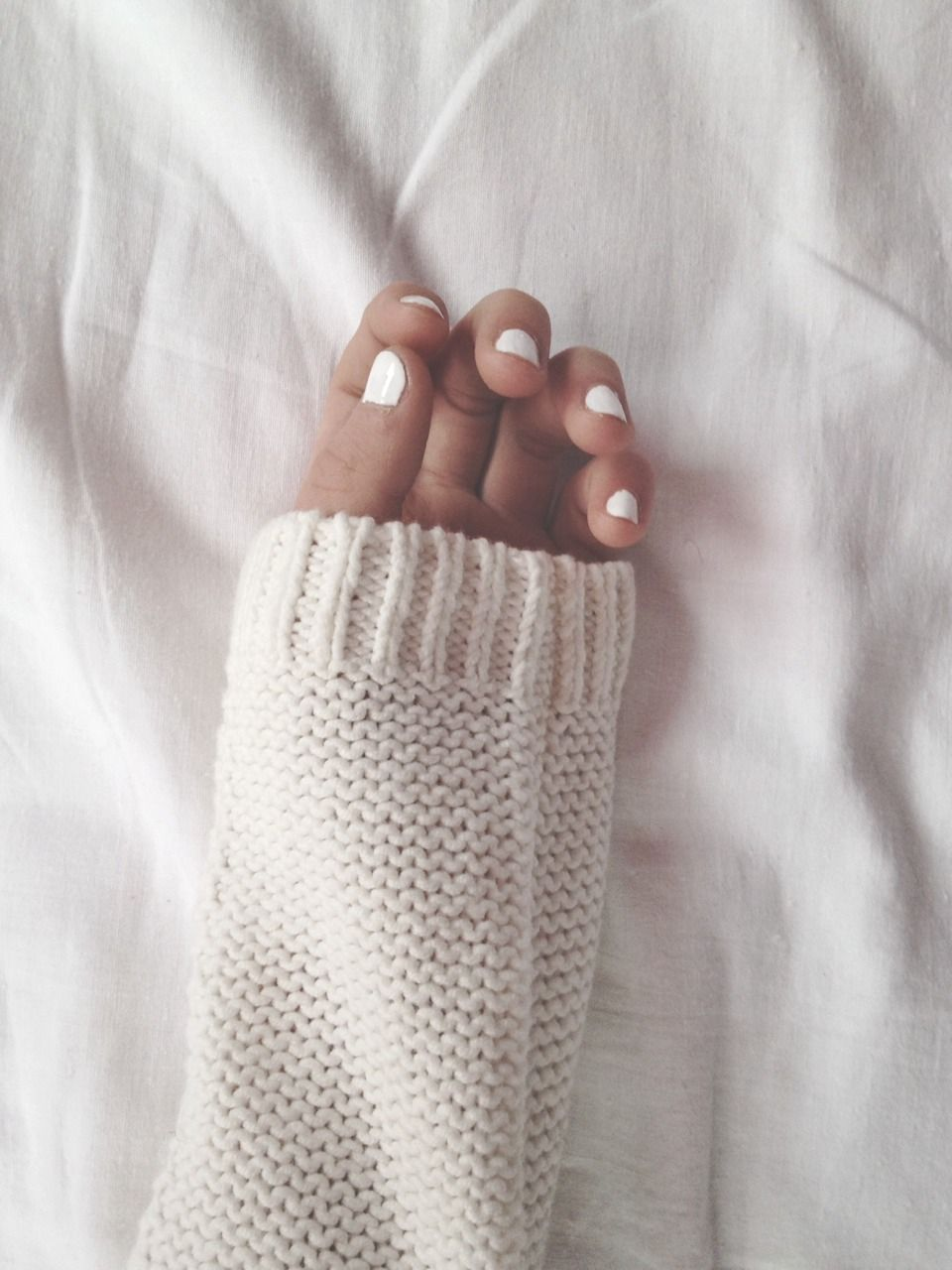white nail paint, super short nails and white sweater ! | Beauty ...