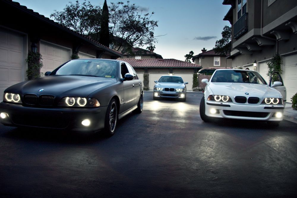 Download Wallpapers Download Black And White Bmw Cars 2048