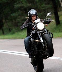 wife-raunchy-biker-chicks