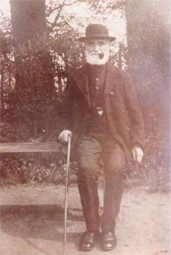 James Banting born in 1848 in Childrey Berks. Died in Wantage in 1928.