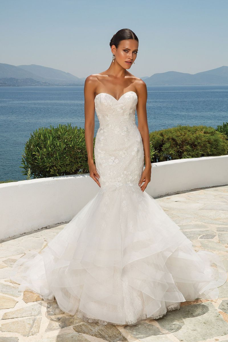 Justin Alexander Floral Embroidered Lace Fit And Flare Gown Size 16 Bridal Go Justin Alexander Wedding Dress Justin Alexander Bridal Mermaid Wedding Dress [ 1200 x 800 Pixel ]