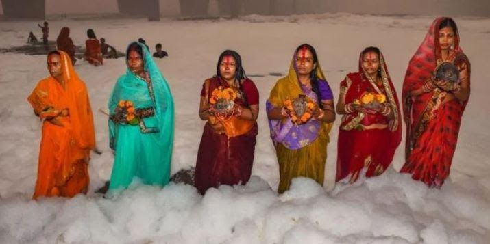 Photos show how devotees performed Chhath Puja in Delhi