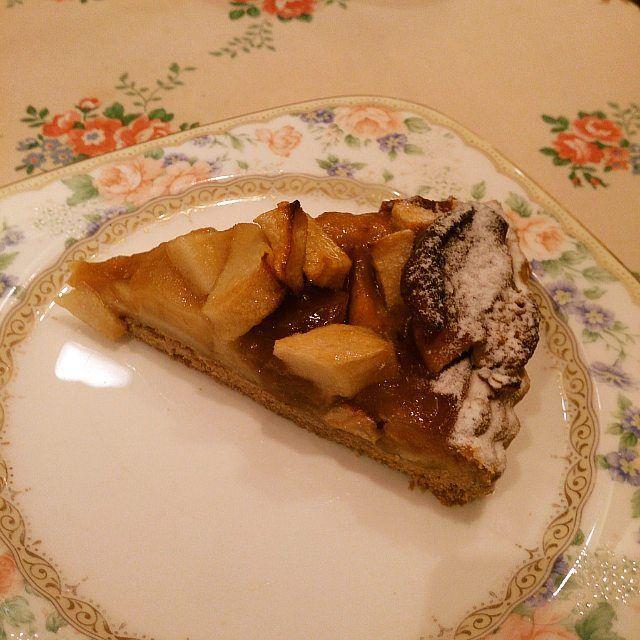 今年最初のアップルパイは#mariathank の紅玉の焼タルトあっパイじゃない #タルト by t_kato