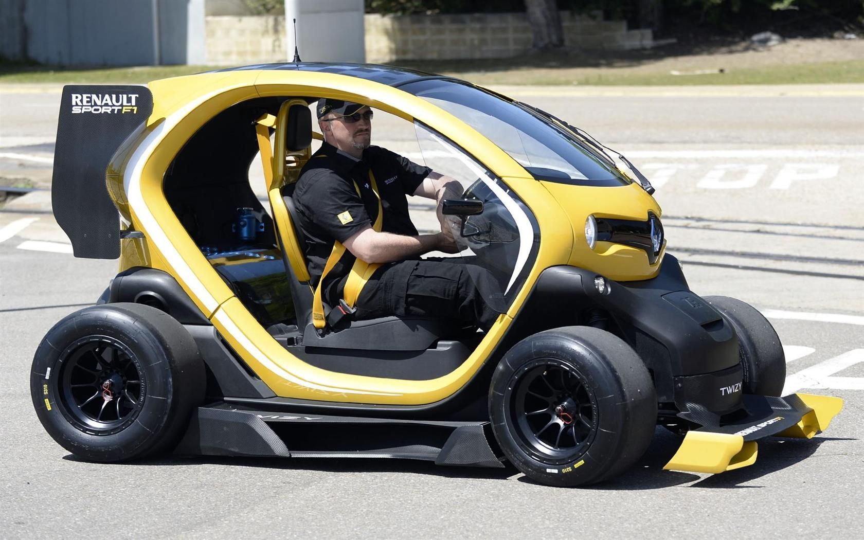 Renault Twizy Concept Cars Futuristic Cars City Car