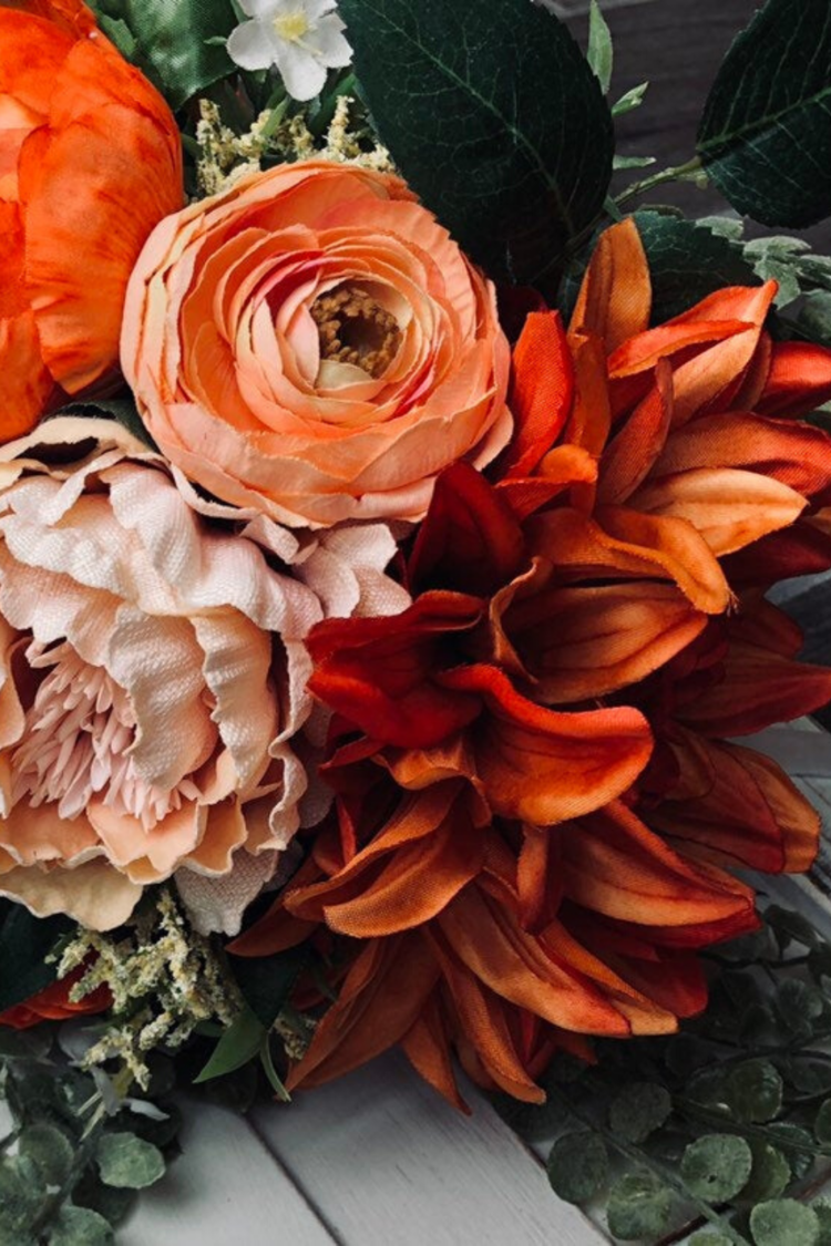 17 Bold And Beautiful Burnt Orange Bridal Bouquets Inspiration And Advice To Plan The Perfect Wedding Orange Bridal Bouquet Burnt Orange Bridal Bouquet Orange Wedding Themes