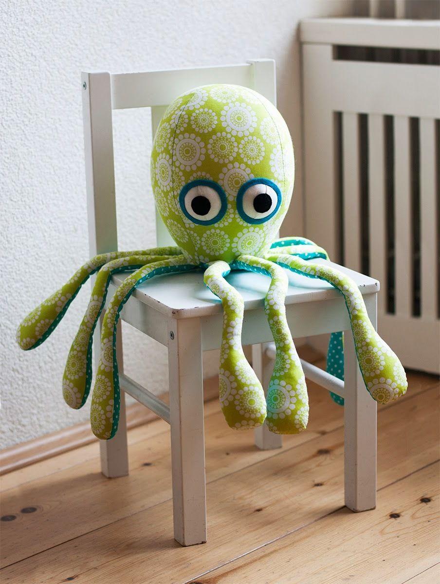 Kuscheltier nähen: Octopus Plüschtier aus Socken - Anleitung - DIY ...