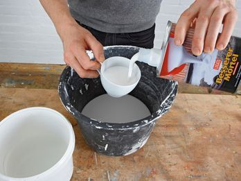 trittsteine und blumenk bel aus beton selber machen heimwerkermagazin ausprobieren besserer. Black Bedroom Furniture Sets. Home Design Ideas