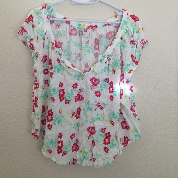Floral print hollister shirt Spring/summer hollister floral print shirt Hollister Tops