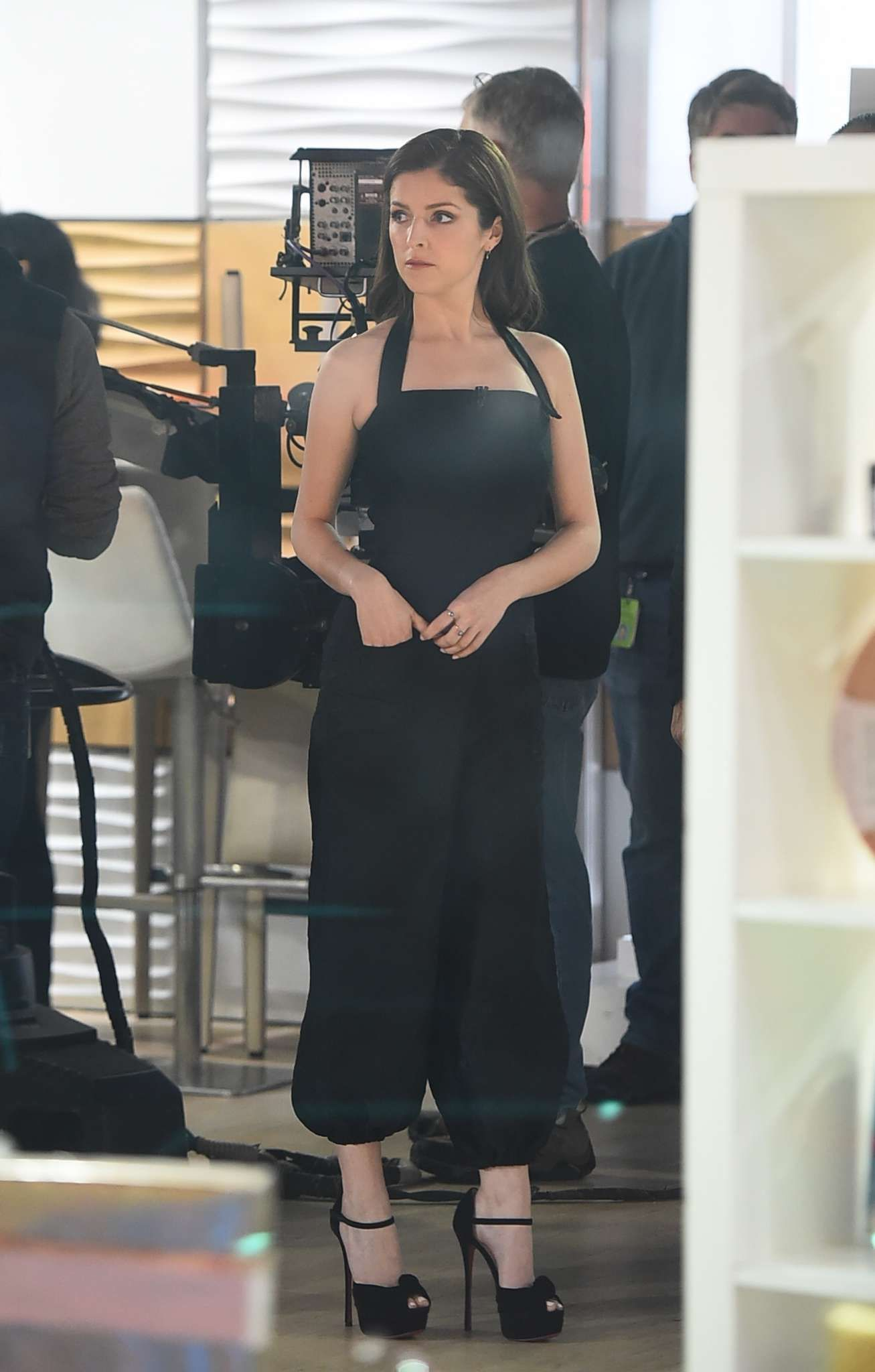 06bd09aed1d Anna Kendrick sizzles in sky high platform high heels at the Today Show