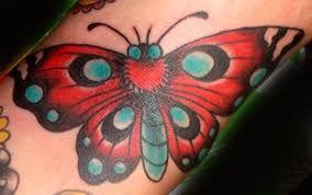 Afbeeldingsresultaat voor moth tattoo old school
