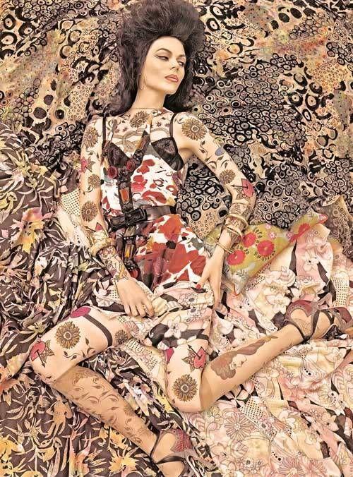 Models blending into Vogue patterns 2