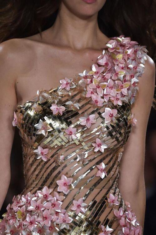 Details from Valentin Yudashkin Spring 2015. Paris Fashion Week.