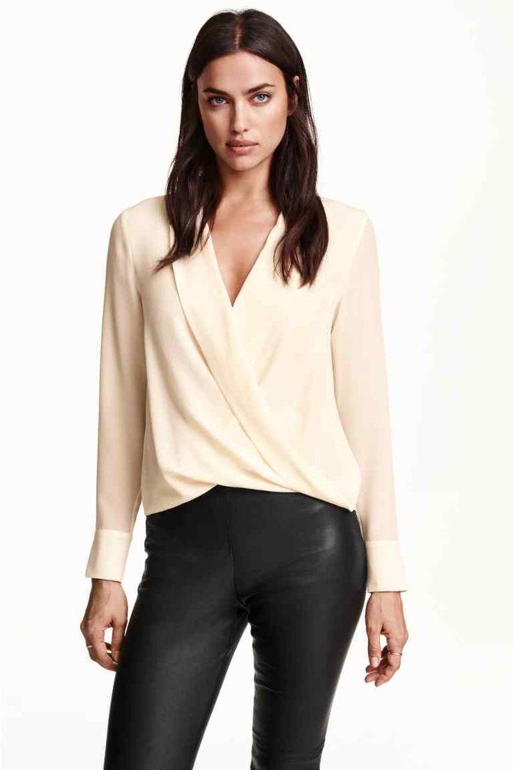 a716f8c7fdd2 Блузки с запахом (63 фото): с чем носить, блуза с запахом на спине ...