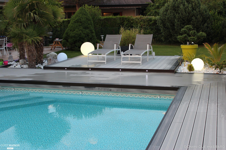 Rénovation d\'une plage de piscine en bois composite gris - éclairage ...