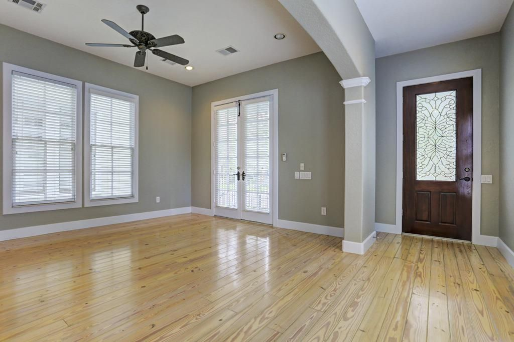 708a E 12th Houston Tx 77008 Paint Colors For Living Room