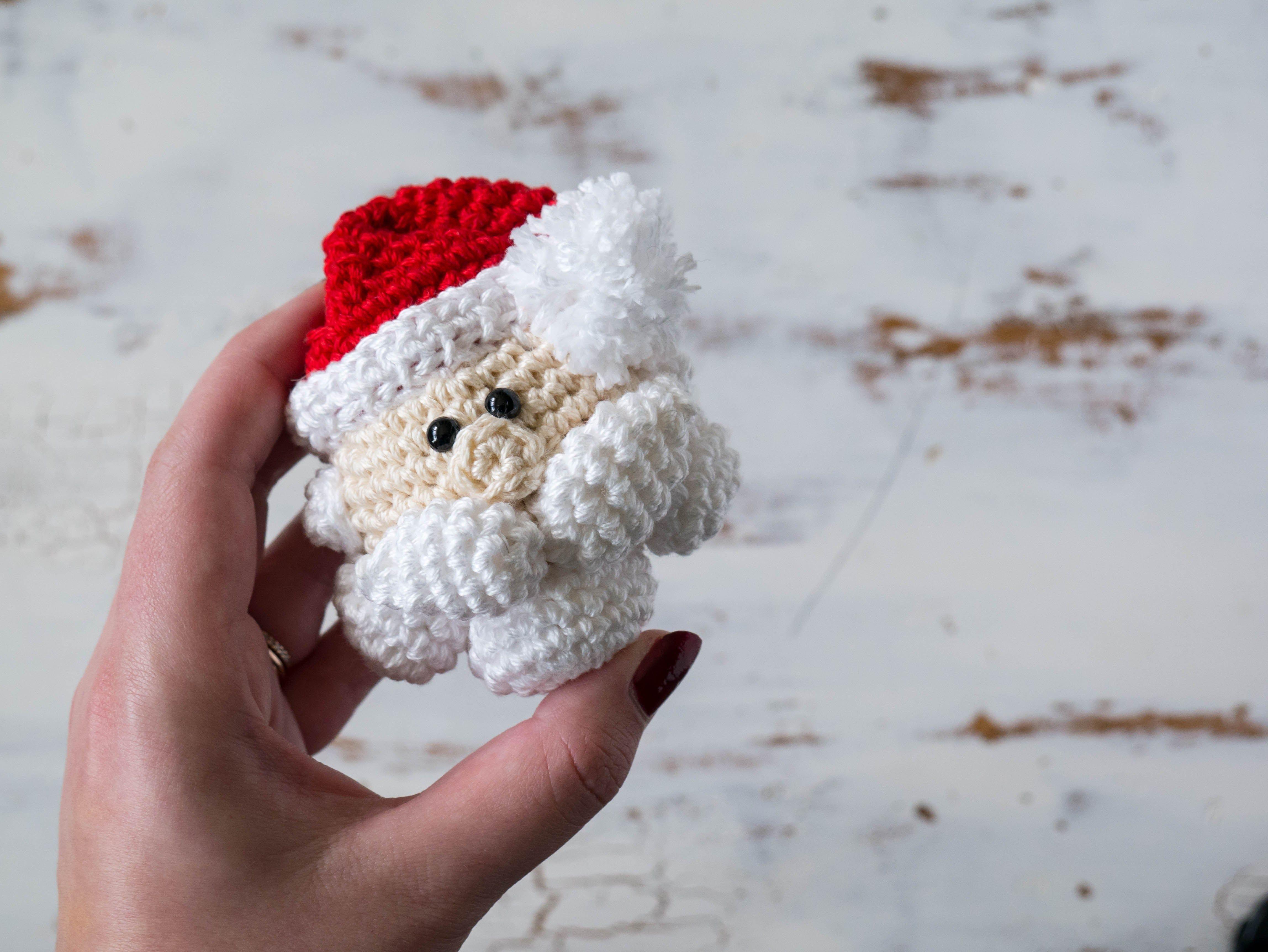 Crochet Santa Claus Christmas Ornament | Adornos navideños, Adornos ...