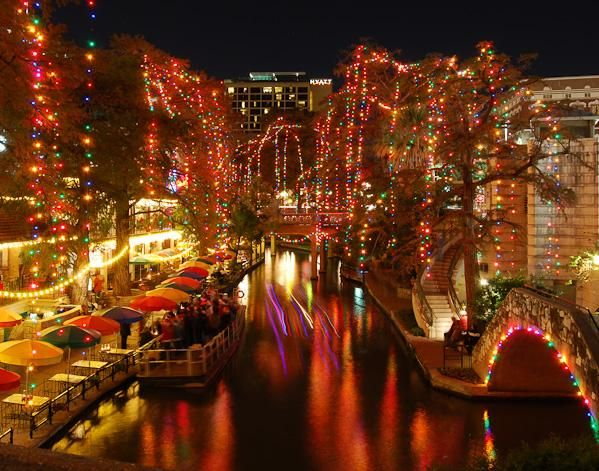 San Antonio Riverwalk Christmas | San Antonio Riverwalk At ...