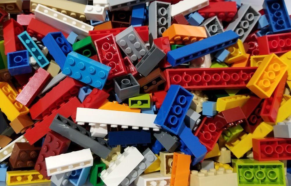 LEGO Bulk Lot Assorted Friend/'s Girl Colors Plates /& Various Parts 100 Pcs