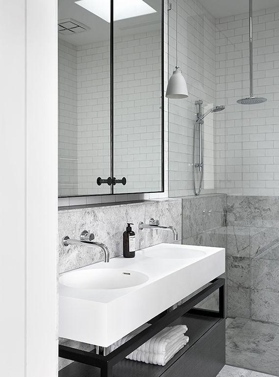 Minimalistic bathroom by Mim Design Photo by Sharyn Cairns