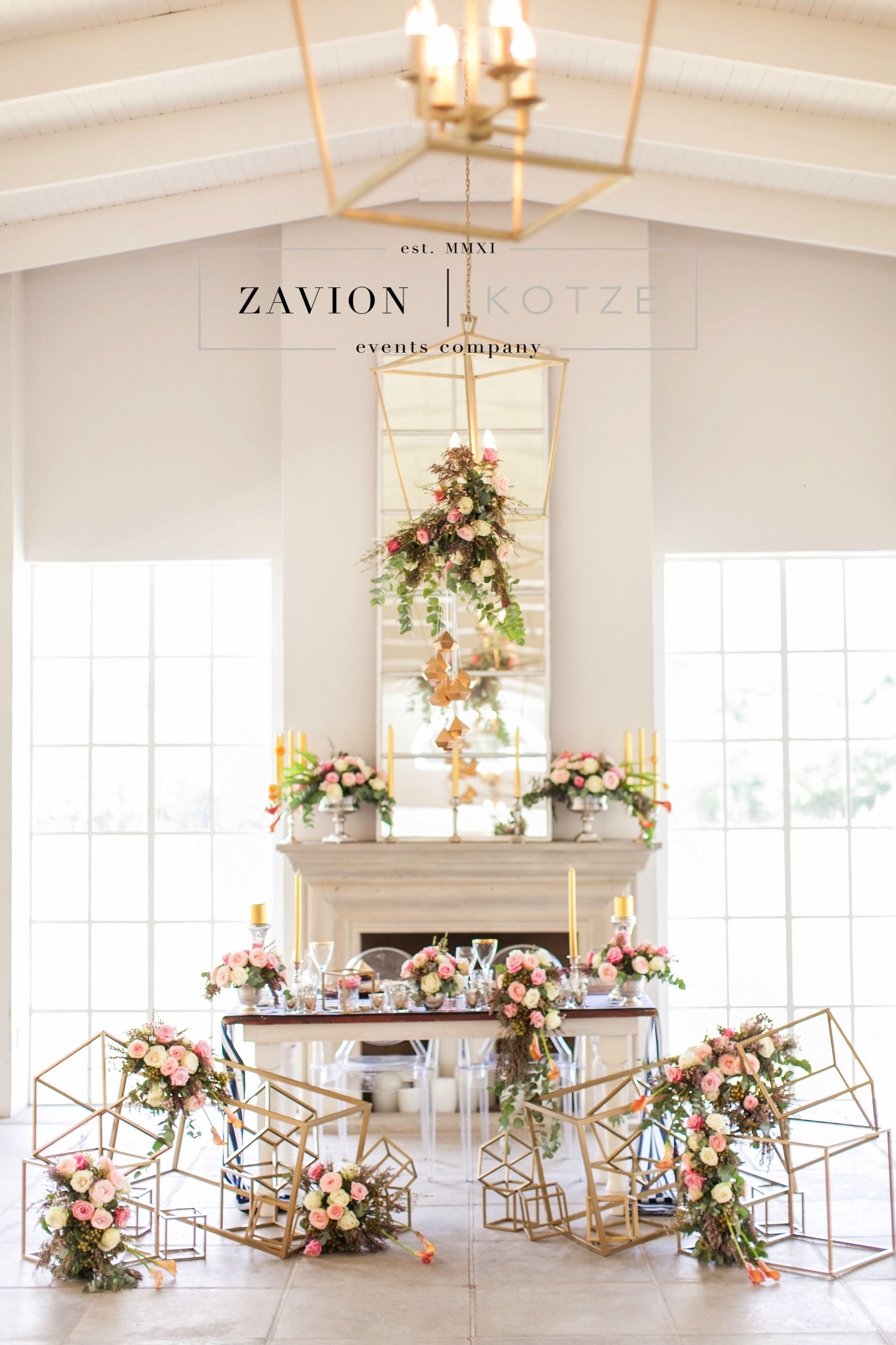 7fd19da55 Stunning wedding table, black, white, geometric, gold, roses, tulips, wood  tables, silver, navy blue, asymmetric flowers, wedding flowers and decor  décor, ...