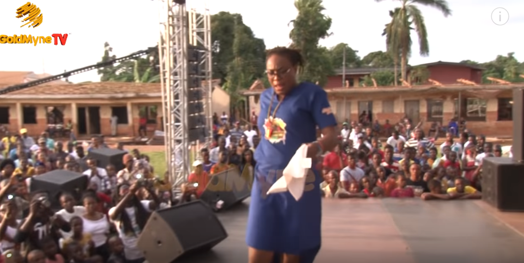 ICYMI: DAUGHTER OF LATE RAS KIMONO, OGE PERFORMS HIS DADDY