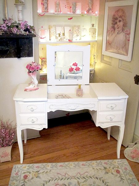 White Chabby Chic Furniture, Vanity Table | Beautiful French Provincial  Vanity Desk