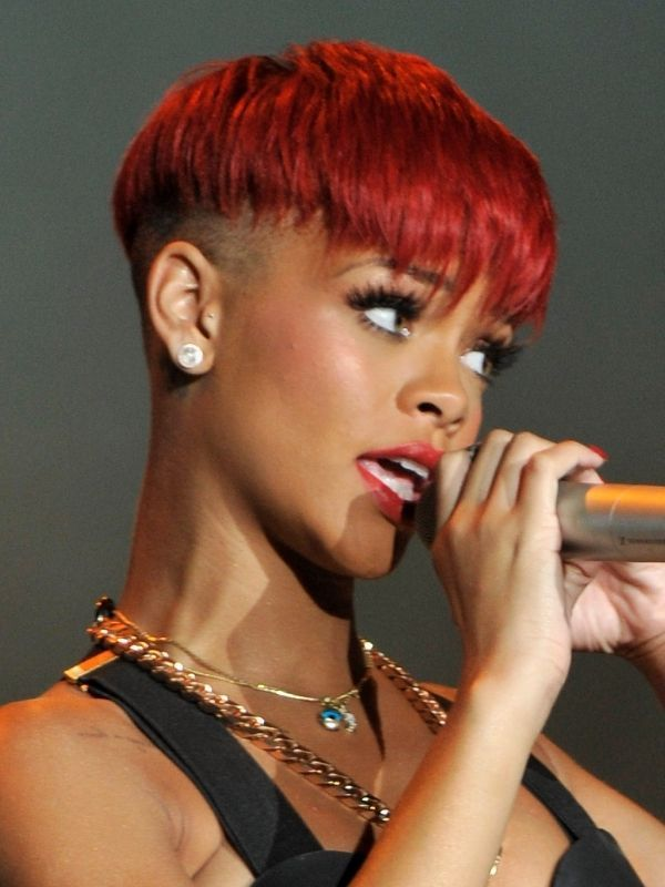 18 Surprising Things That Affect The Way You Age Celebrity Hairstyle Short Red Hair Rihanna Hairstyles Short Hair Styles