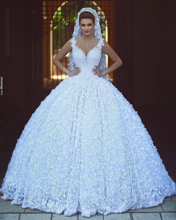 Princess ball gown wedding dress with 3D florals | Ball Gown Wedding Dress | fabmood.com #weddinggown #weddingdress #fairytale #ballgown #princessgown #bride #bridaldress