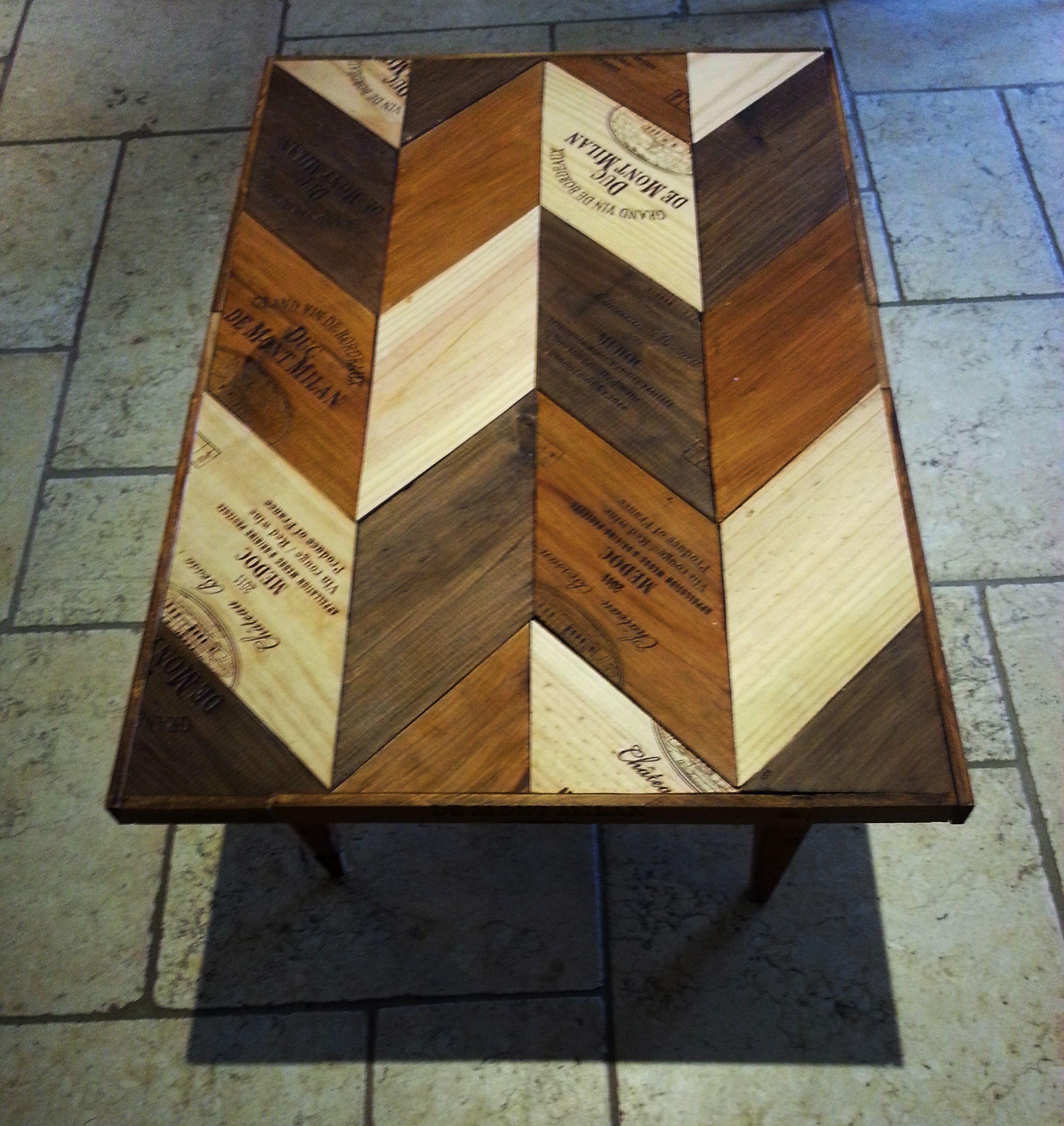 Chevet salle de lecture hall salon salon avec blanc de table de plumes - Table Basse Chevron Bois Caisses De Vin