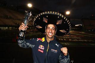 Blog Esportivo do Suíço:  Vettel é punido e perde posições para Ricciardo, que herda pódio