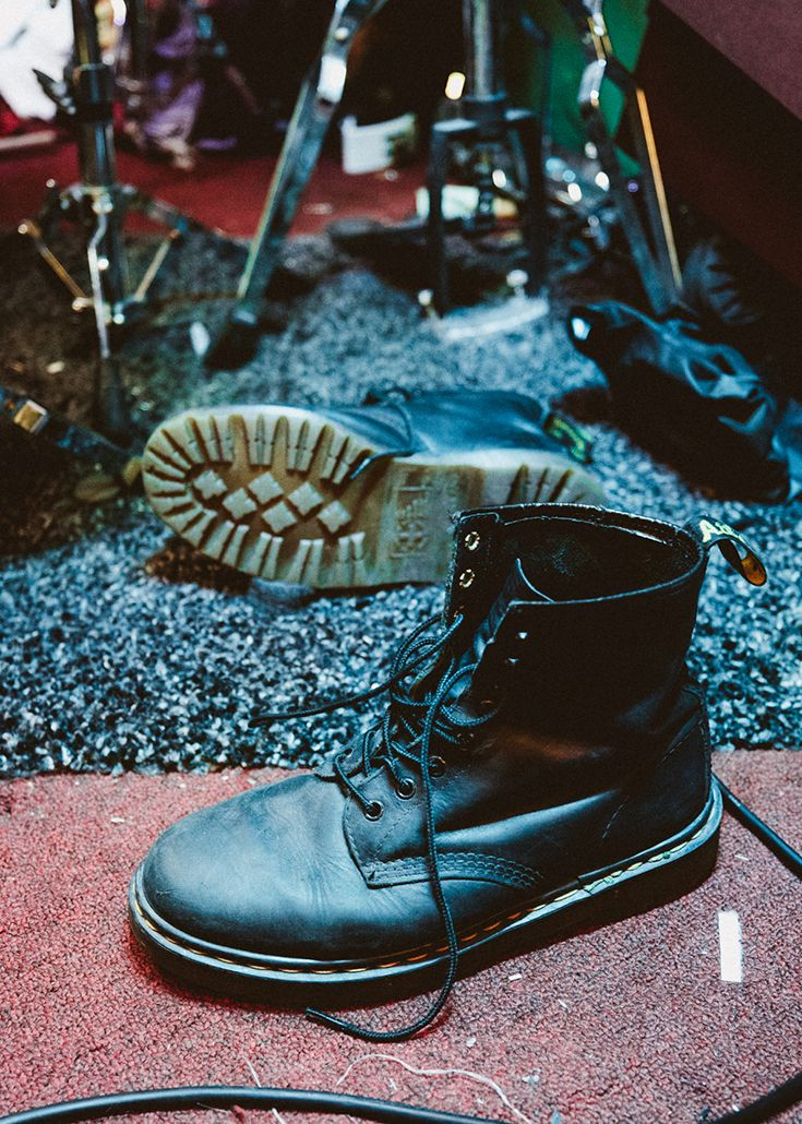 Dr. Martens Men's 1460 Greasy Leather Lace Up Boots Black Greasy