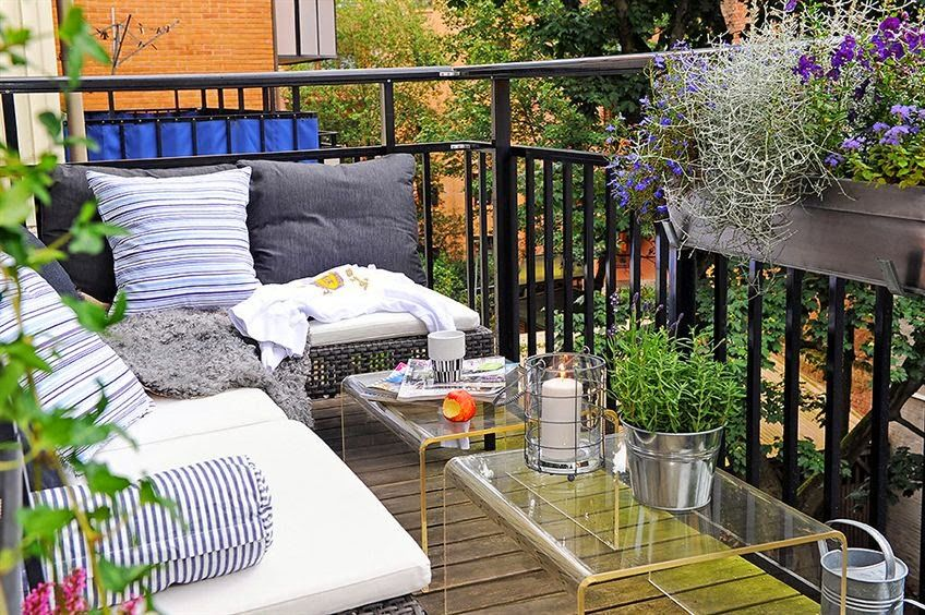 20 jolis petits balcons a balcony garden pinterest balcon petit balcon et d co petit balcon. Black Bedroom Furniture Sets. Home Design Ideas