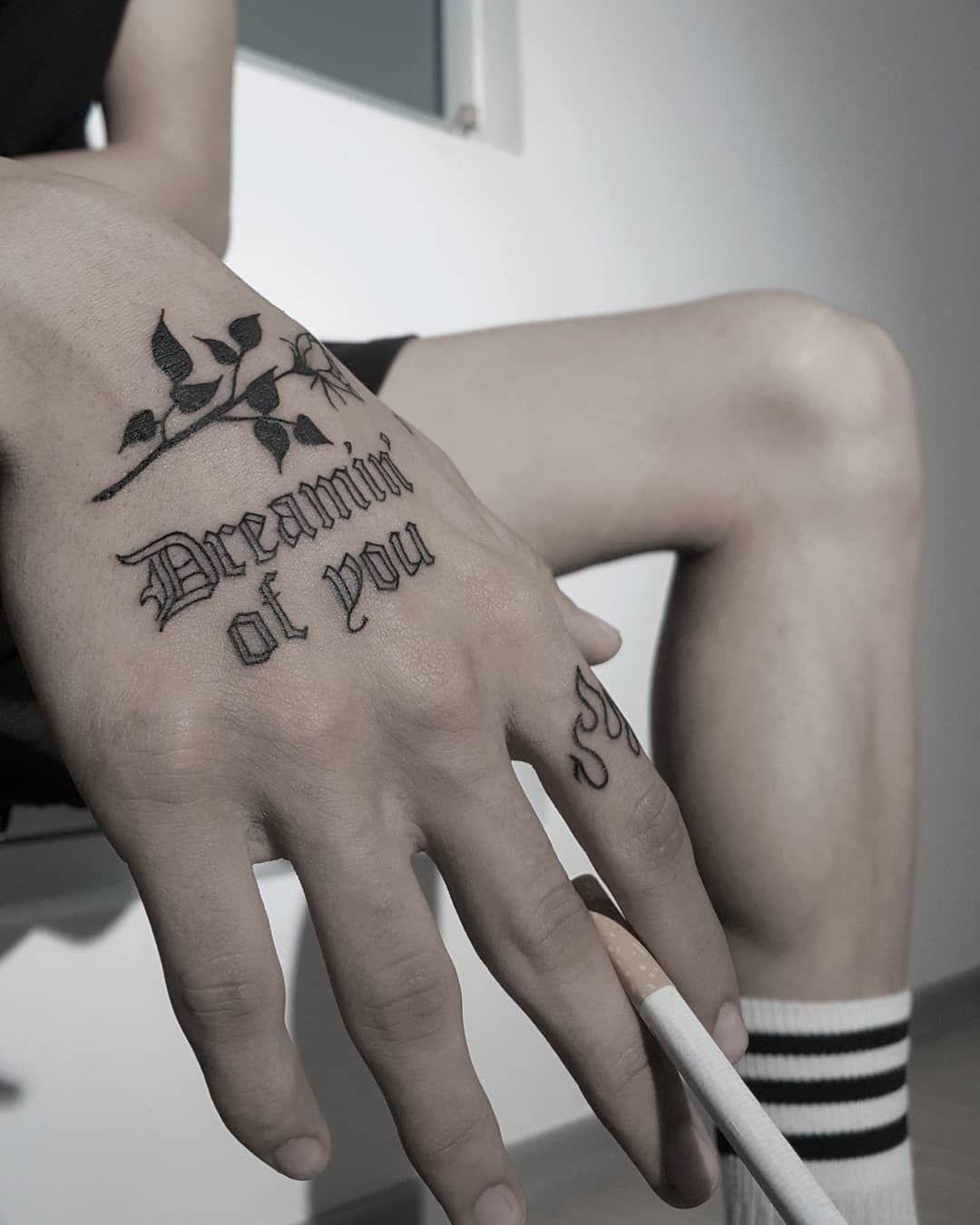 ℍ𝕦𝕘𝕚 𝔸𝕣𝕥𝕚𝕤𝕥𝕚𝕔 op Instagram Dreamin of you hugiart  Esenyurt  Istanbul  türkiye fashion  tattoos on hand ℍ𝕦𝕘𝕚 𝔸𝕣𝕥𝕚𝕤𝕥𝕚𝕔 op Instagram Dreamin of you hugiart  Esenyurt...