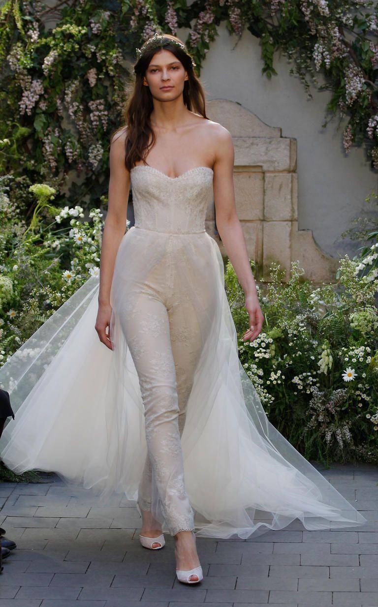 Monique Lhuillier Spring 2017 | https://www.theknot.com/content/monique-lhuillier-bridal-fashion-week-spring-2017