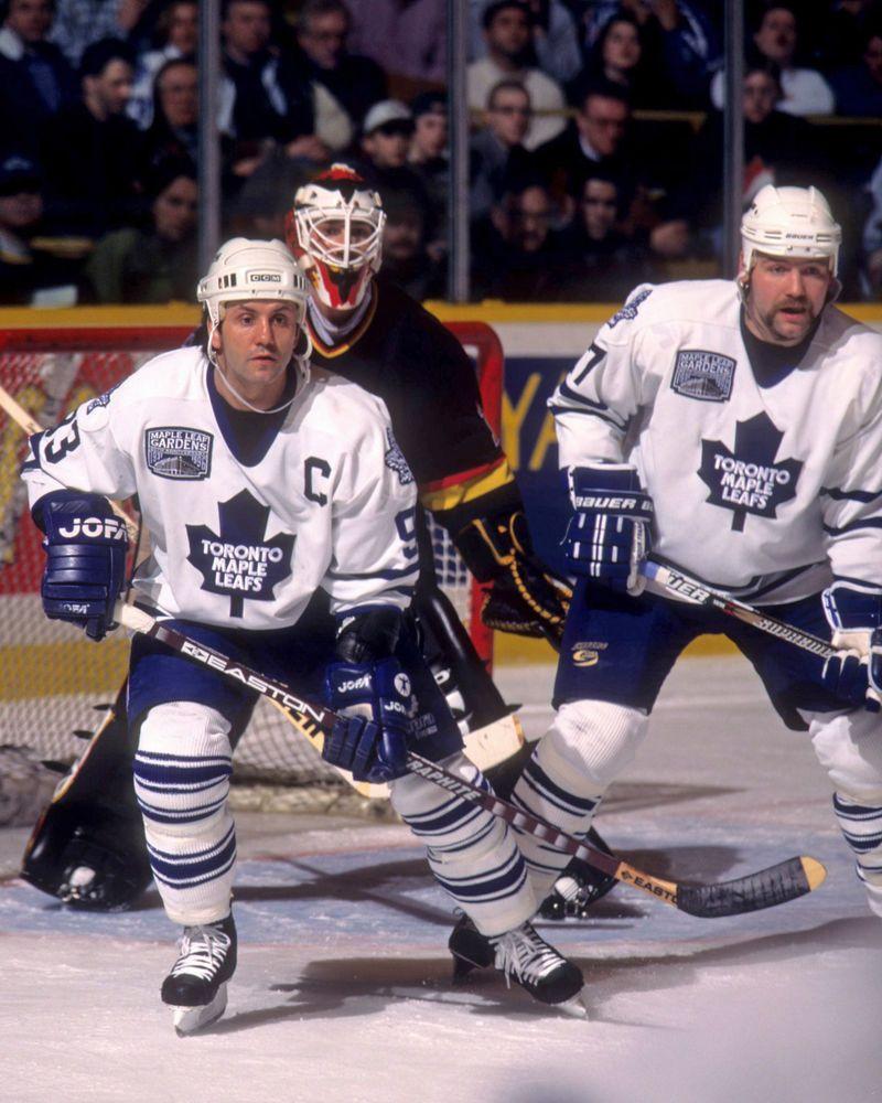 Doug Gilmour Toronto Maple Leafs Autographed Spotlight 8x10 Photo