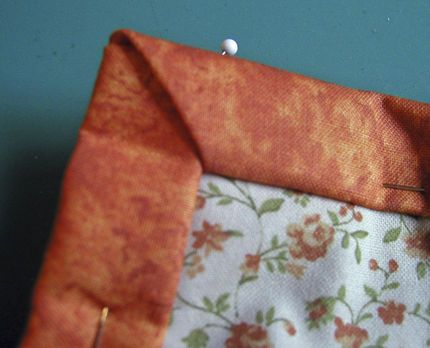 How to Make Mitered Corners for Bindings | Blanket, Mitered ... : quilts corner - Adamdwight.com
