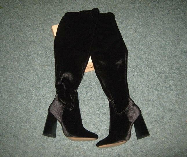 669efa32d22 Black velvet boots