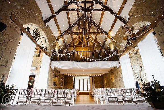 Great Tythe Barn Wedding Tetbury Eleanor Howell And Steven Meo