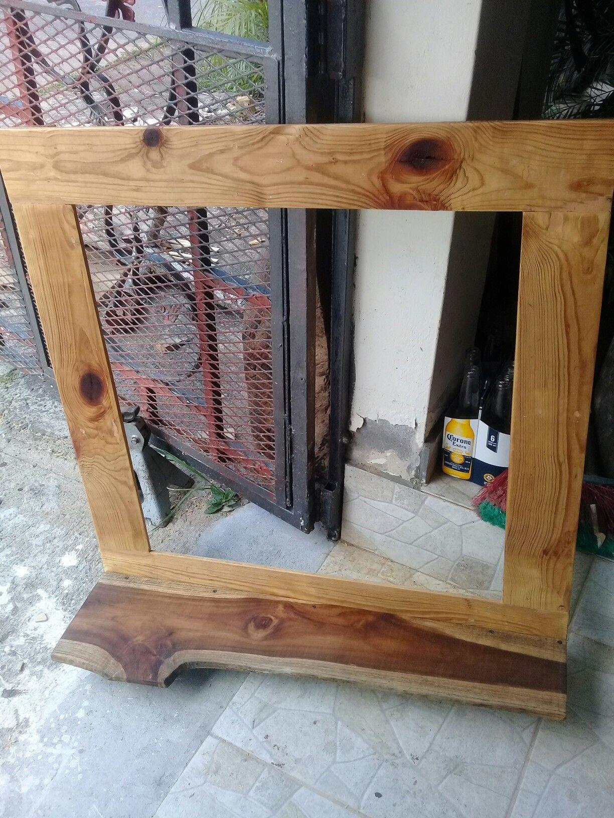 Marco para espejo de madera reciclada y repisa de teca | Muebles ...