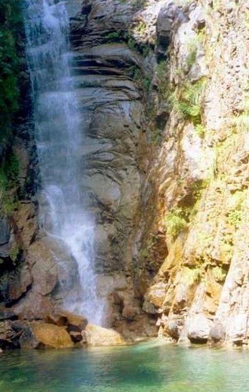 Polischellu commune quenza massif bavella bassin for Piscine naturelle cascade