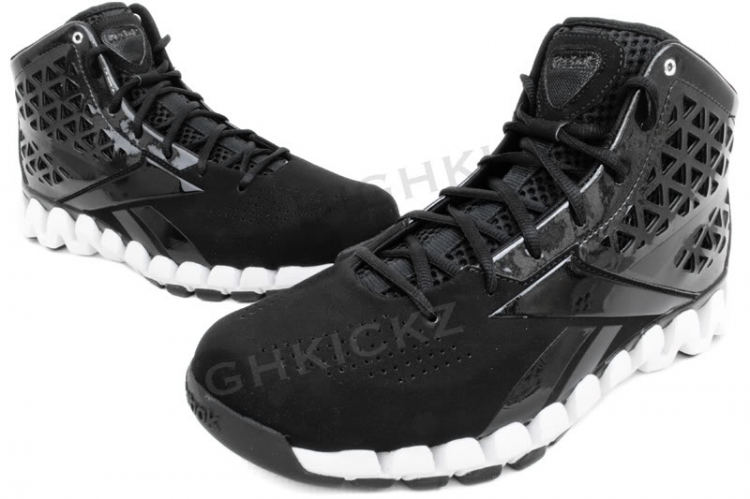 all black reebok zigtech